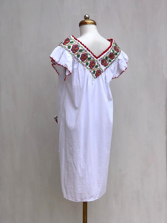 Mexican dress, hand embroidered mexican dress, Me… - image 5