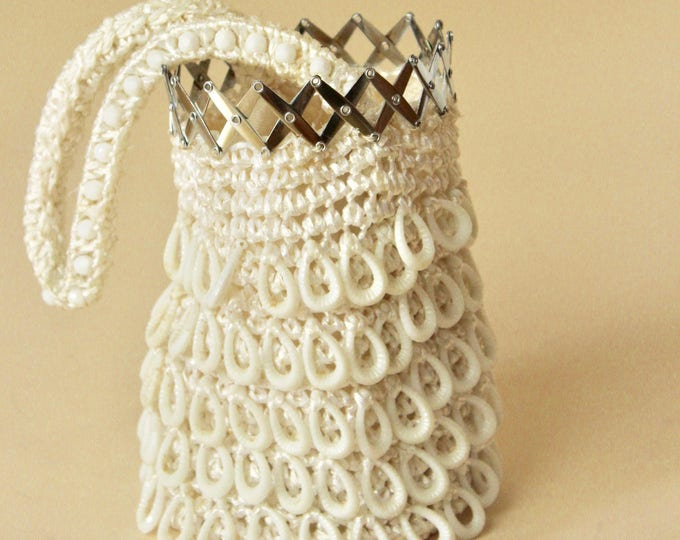 Featured listing image: 70s Metal cage clasp, White woven beaded hoop bag