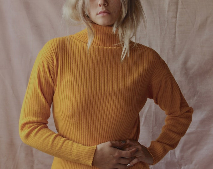 70s 80s Ribbed Yellow mustard Long sleeve turtleneck Womans Size large