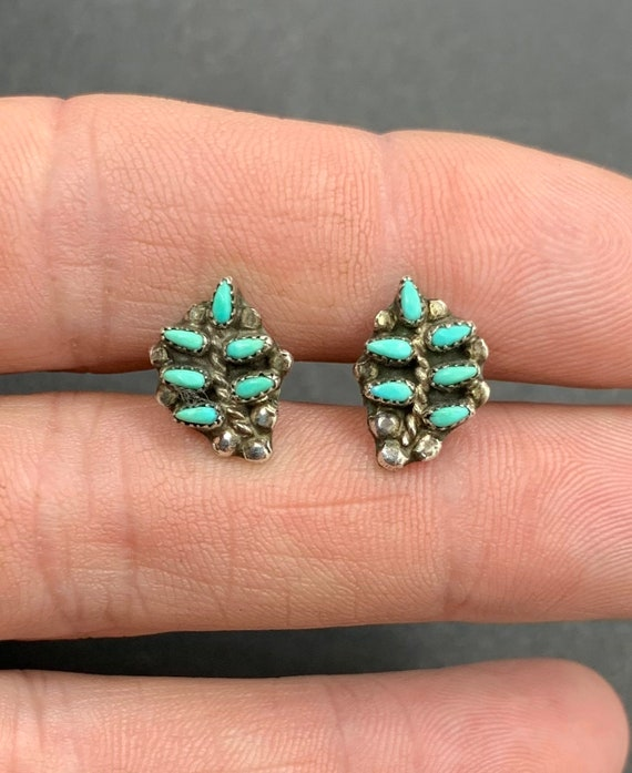 Early Zuni Sterling Silver Turquoise Petit Point L