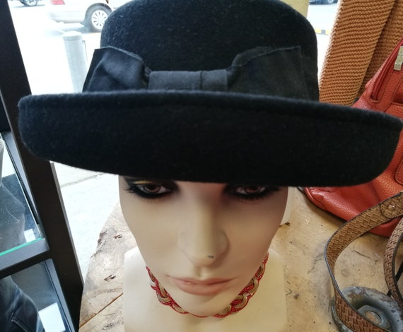 Vintage Wool Hat ~ Made Italy - Derby Hat - Cloche