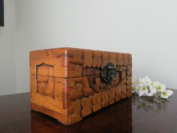 Vintage Gorgeous quality deeply hand caved Wooden Jewellery Box
