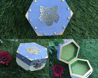 king Arthur wolf trinket box