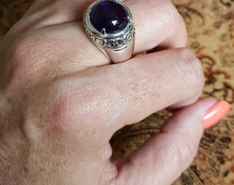 Round Cabachon Amethyst Ring, size 9 US, Silver, Protection Stone