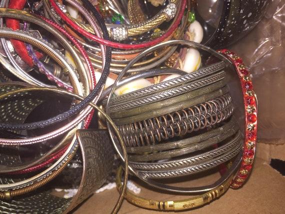 Large Lot of 175+ Costume Jewelry Bracelet Bangle… - image 3