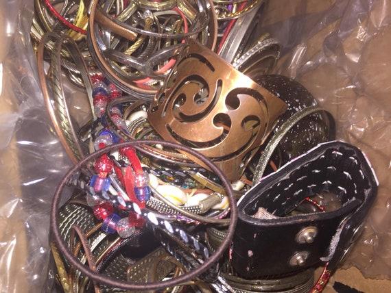 Large Lot of 175+ Costume Jewelry Bracelet Bangle… - image 5