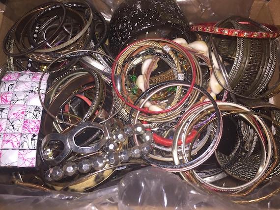 Large Lot of 175+ Costume Jewelry Bracelet Bangle… - image 2