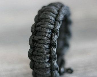 Survival Paracord Bracelet with True Survivor Stich