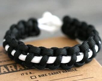 Survival Paracord Bracelet with Thin Line Stich