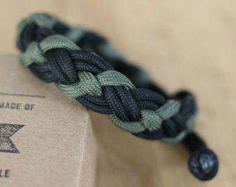 Survival Paracord Bracelet with Celtic / Viking Stich