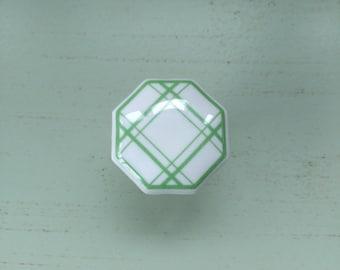 Button green dishcloth pattern Limoges porcelain furniture vintage kitchen