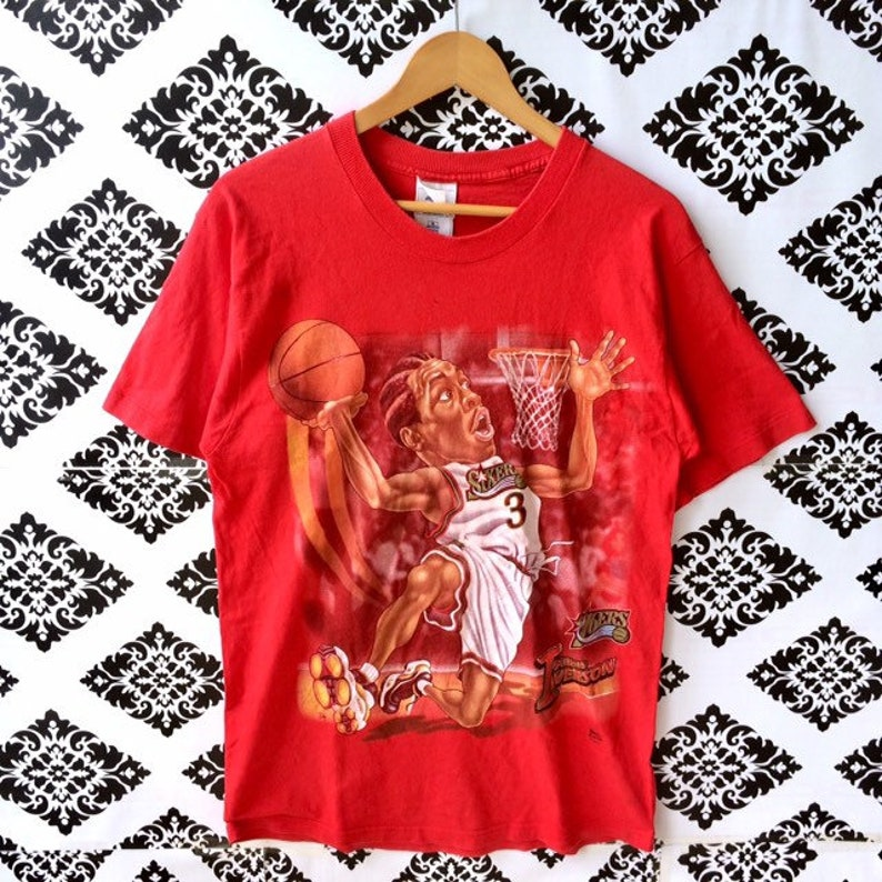 new styles 1a4fe e8a28 Rare!!! Vintage NBA ALLEN IVERSON By 76ers Basketball T-Shirt Medium Size  Red Colour