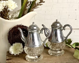 Vintage Teapot Salt Pepper Shakers - Vintage Farmhouse Picnic Country Kitchen Shabby Retro Trailer Home Decor