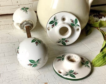Antique Yale Towne Rose Bud Door Knob Set Hardware Door Handle Architectural Salvage Farmhouse Country Shabby Chic Style Home Decor Supply