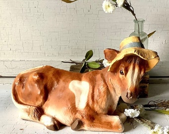 Vintage Cow in Straw Hat Universal Statuary Modern Rustic Farm Farmhouse Cottage French Country Kitchen Shabby Chic Home Decor
