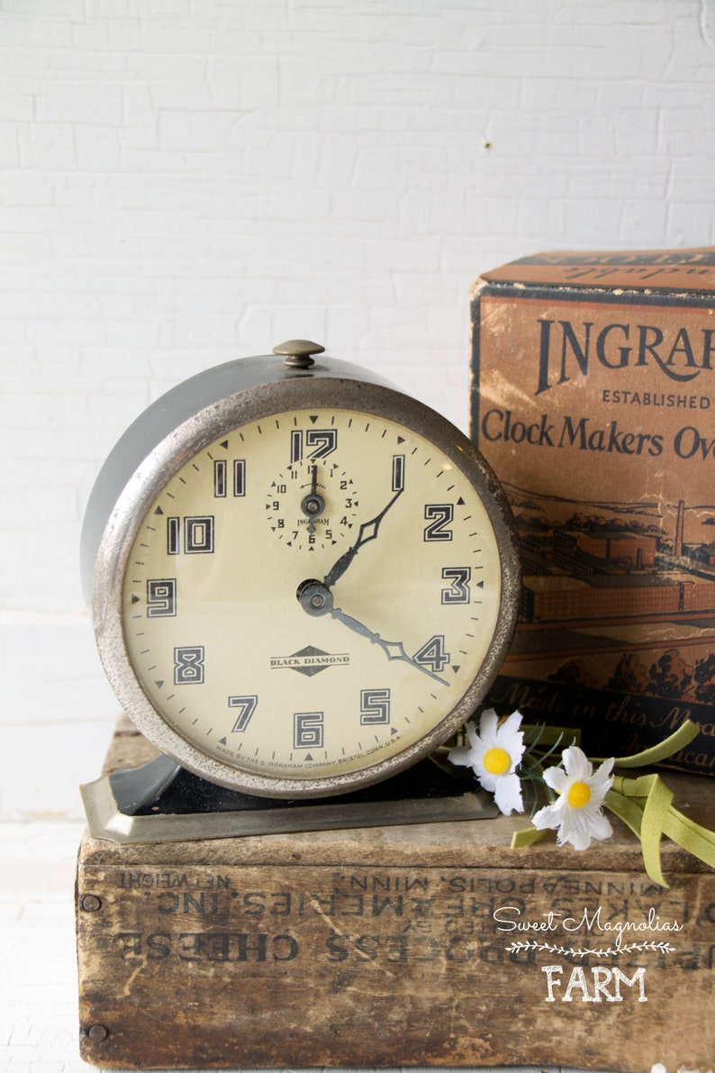 Vintage Ingraham Alarm Clock  Black Diamond  Black & White  image 0