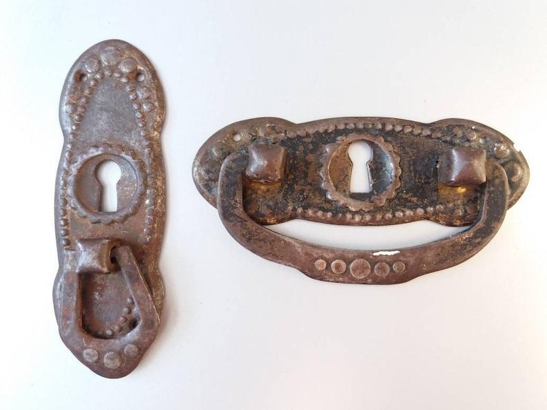 Vintage Cabinet Handles Set of 2 Bronze Drawer Pulls Vintage Handles Hardware Salvage Shabby Cottage Bronze Tone Drawer Pulls Drawer Handle