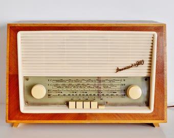 original 60's tube radio Weimar 4960 tube radio 60 s