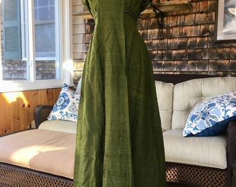 Apple-Green Edwardian Arts and Crafts/Aethetic Movement Silk Dress
