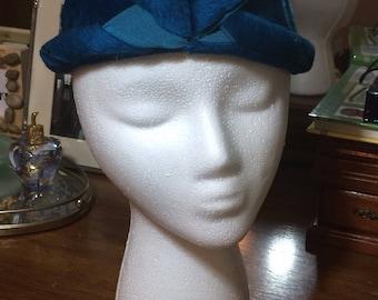 Vintage Saks Fifth Avenue Helios Body Cloche Hat