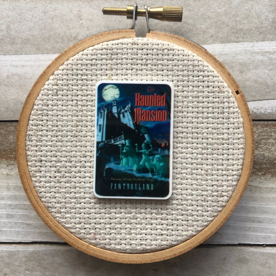 House On Haunted Hill Wooden Needle Minder