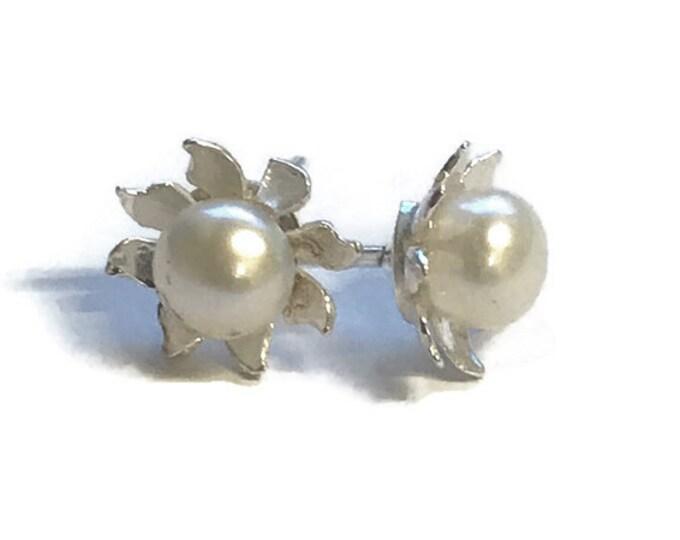 AAA Grade Freshwater Pearl Flower Stud Earrings