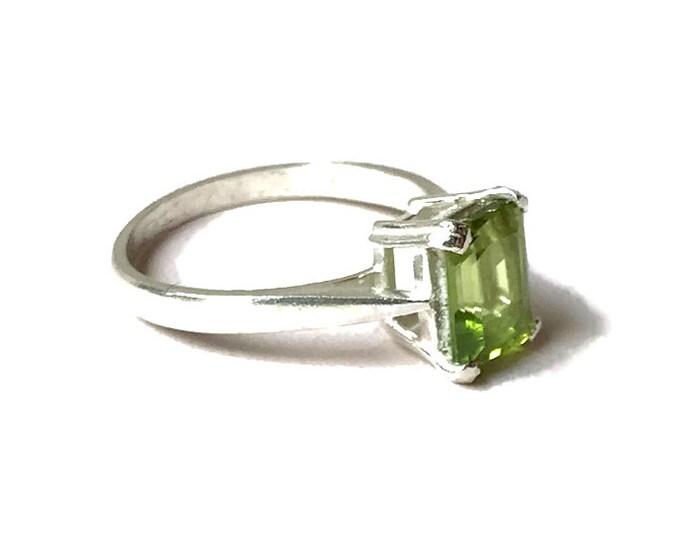 Peridot Octagonal Ring (Size M)