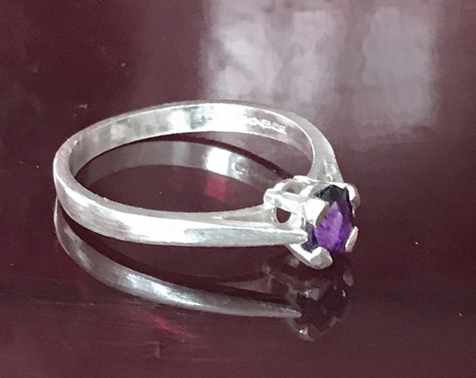 Amethyst Oval Ring (Size N)