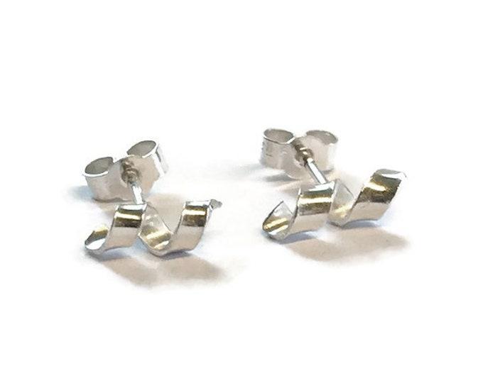 Small Ribbon Curl Stud Earrings