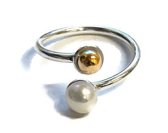 Freshwater Pearl 9 Carat Gold Detail Adjustable Ring
