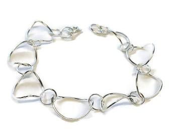 Curved Link Bracelet