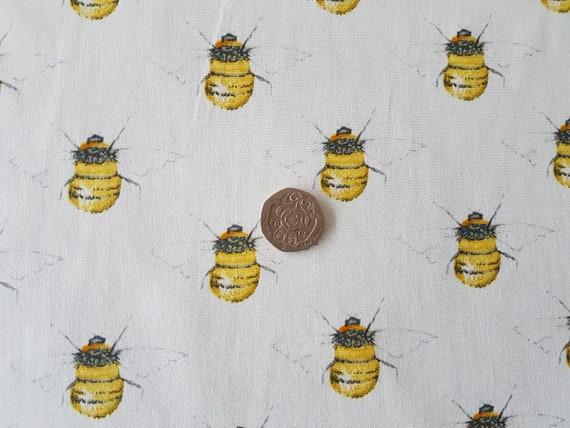 ROSE /& HUBBLE NAVY BUMBLE HONEY BEE FABRIC 100/% COTTON 112CM WIDE PER HALF METRE