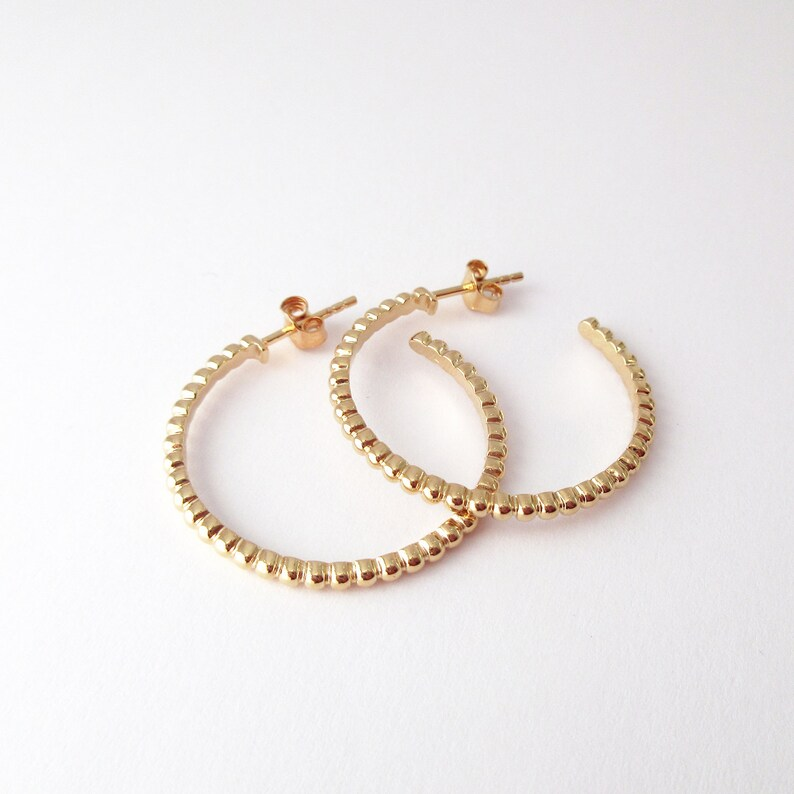 2.8 cm Worked hoops beaded in plated gold 18 k 700000 diam