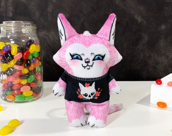 Mini Plush Cat Doll - Robin- pink cat with skull and flower tshirt - A tiny friend