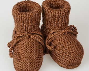 Newborn boots / baby boots/ wool knitted boots/ handmade booties/ brown knitted booties/