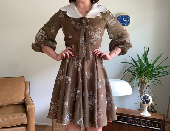 70's does 40's cotton dress with balloon sleeves &