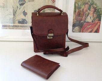 Bag, shoulder bag in genuine cowhide leather for men.