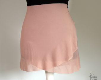 Ballet skirt made of elastic mesh