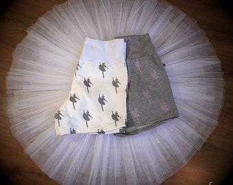 Ballerina shorts Écarté for women, grey or white, different sizes