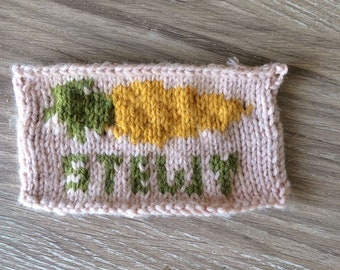 """ArtStew52-inspired """"Stewy Carrot"""" sew-on knitted patch"""