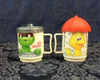 2 Vintage Sesame Street Muppets Mugs Lids Big Bird Oscar the Grouch by Peter Pan