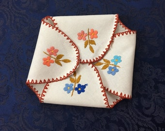Vintage Heavy Linen Hand Crafted Bread Warmer Basket Liner Embroidered with Flowers 21 x 21  M34
