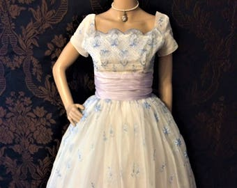 Vintage 1950's Fairy Tale Prom Dress! Eligible For Layaway!