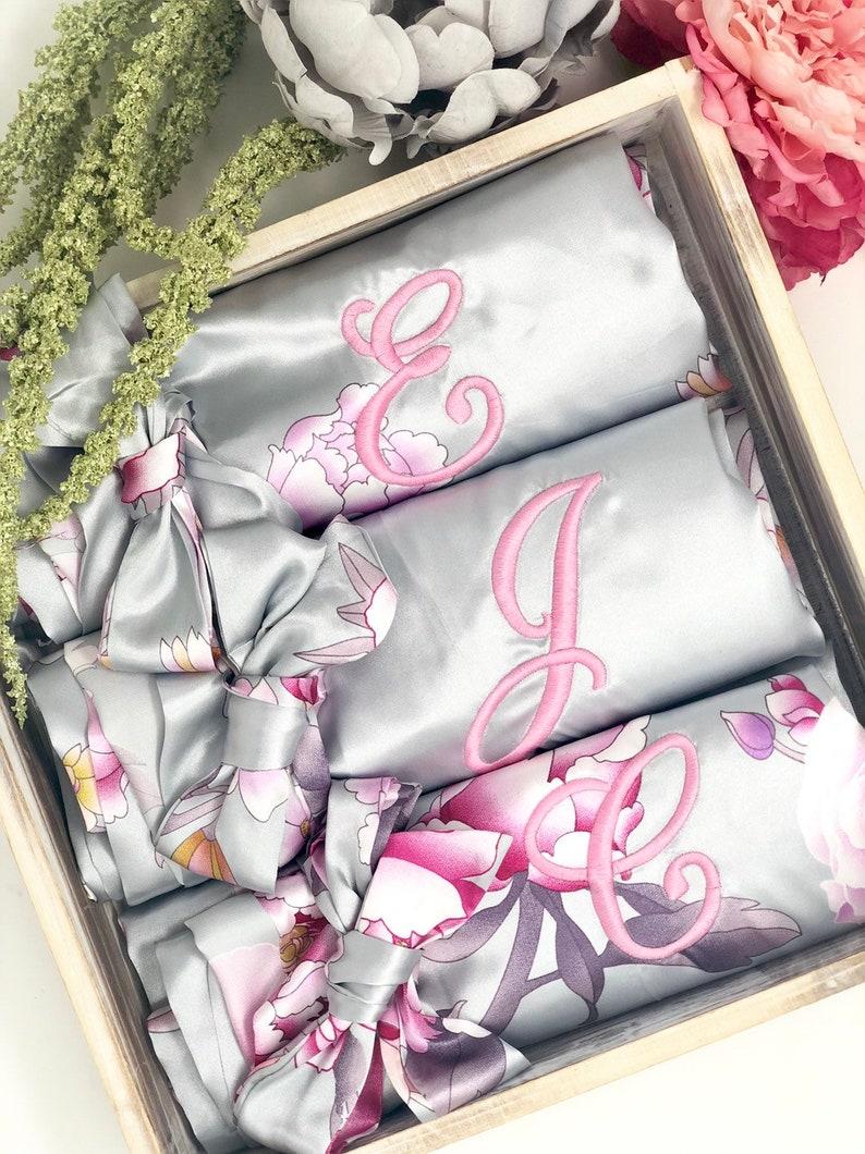 Bridal Robe Bridesmaid Gifts Personalized Robe Bridal Party Robe Wedding Gifts Blossom Set of 6,7,8,9,10,11,12,13,14 Bridesmaid Robes
