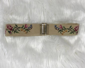 Vintage Womens Small Floral Needlepoint Clasp Waist Belt Bohemian Peasant  Style 0c5543df82