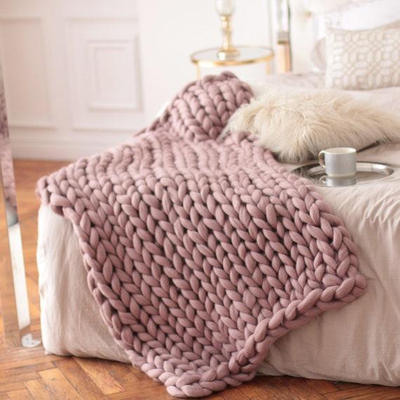 Chunky tricot couvertures plaids tricot grosses roses   Etsy c6d92b8d345