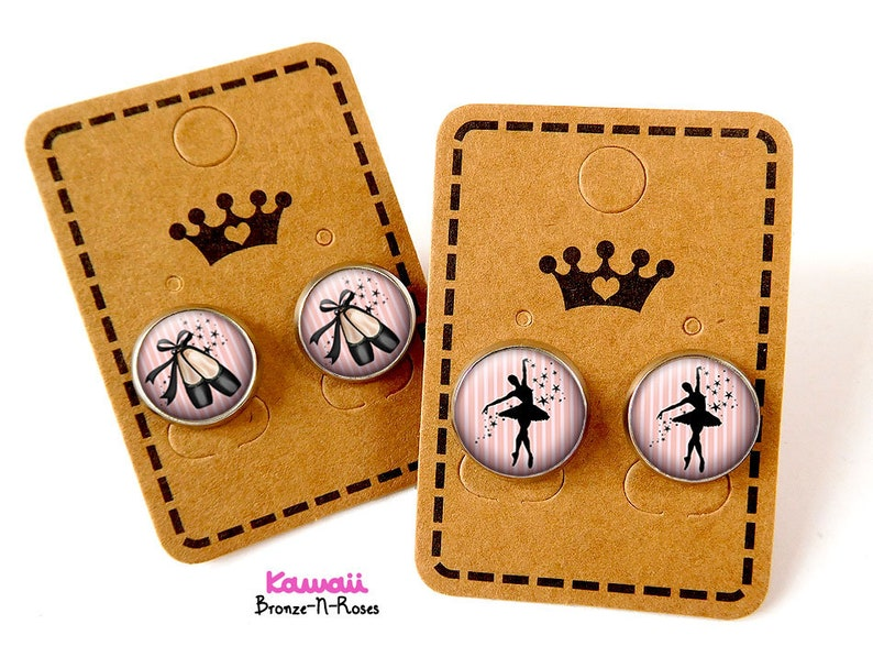 Small star dancers studs earrings 2 pairs