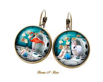 Earrings * Drink me * Alice in Wonderland watch glass cabochon stud earring