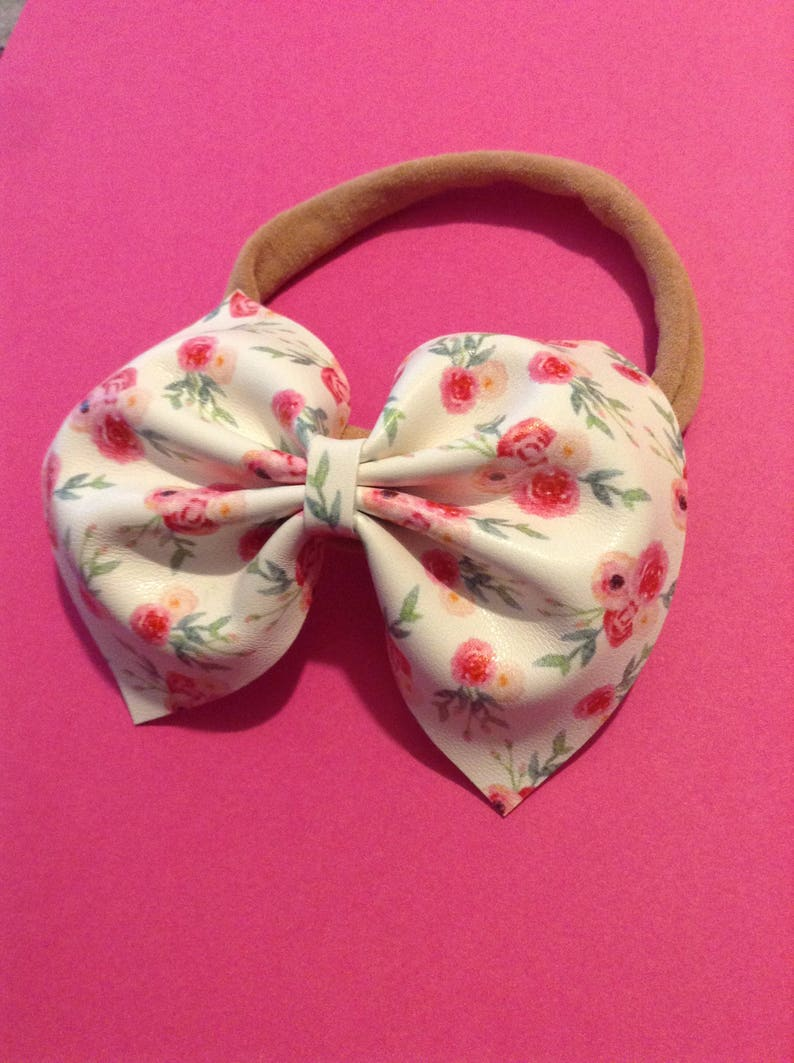 Babygirl Headband Newborn Headband Toddler Bow Pink Floral Bow Bow on a Clip Valentine/'s Day bow Bows Spring Bow