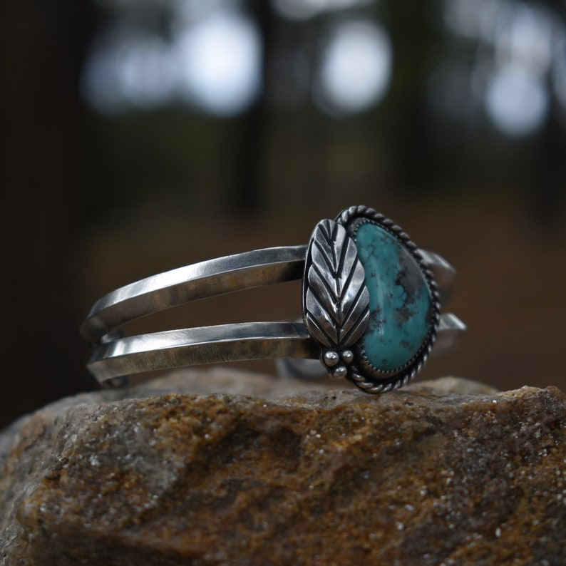 Campitos Turquoise Triangle Wire Cuff